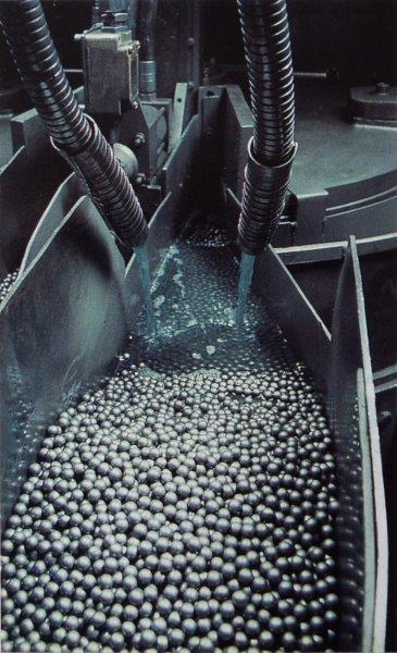 Fabricação de esferas de rolamentos